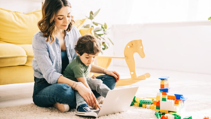 30 Side Hustle Ideas for Stay at Home Moms